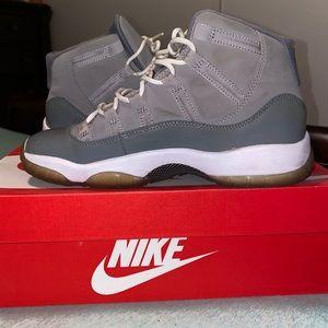 Jordan 11s Cool Grey size 5.5